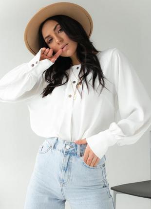 Женская блуза, рубашка свободного короя.