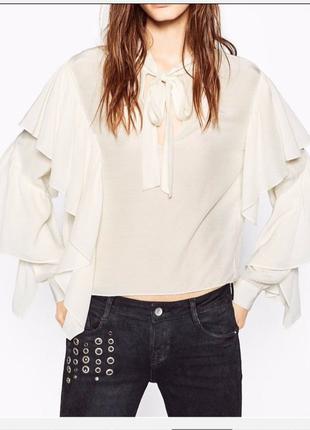 Стильная блузка с воланами zara,p.s-m