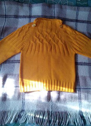 Добавь яркости своей зиме!уютный,мягкий свитерок,состояние нового!!!