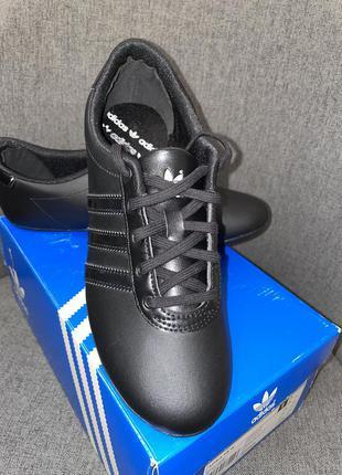 Adidas кроссовки, кросівки