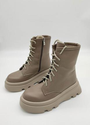Крутые зимние ботинки на супер легкой подошве