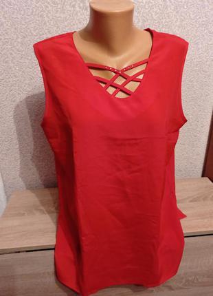 Яркая блузка блуза с переплетами большого размера на шикарные формы