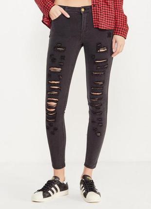 Черные узкие джинсы рваные, с потертостями xxs