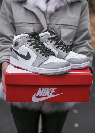 Женские высокие кожаные кроссовки nike air jordan retro 1 white\grey#найк