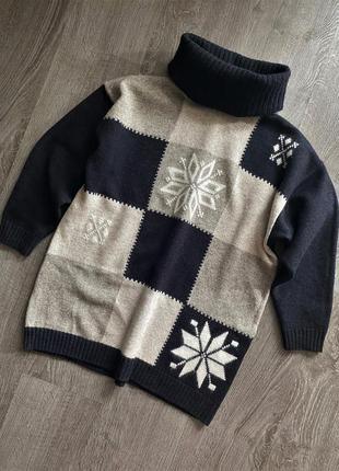 Вязаный тёплый шерстяной свитер  джемпер свободного кроя с горловиной с орнаментом шерсть мериноса