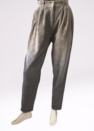 Винтажные зауженные вельветовые брюки с высокой посадкой бренда julie