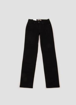 Брюки джинсы чёрные прямого кроя с высокой посадкой и карманами camaieu