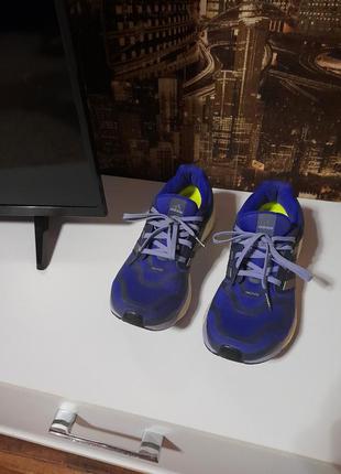 Оригинальние кроссовки adidas