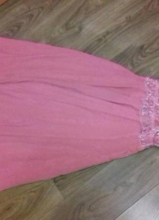 Очень красивое и элегантное платье