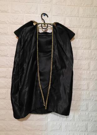 Карнавальный элемент костюма дракулы, короля, графа