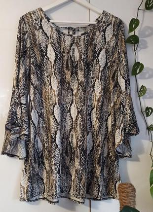 Интересная кофточка блузочка блуза рукав клеш змеиный принт рептилия