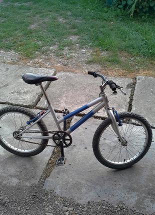 Велосипед подростковый от 5 до 11 лет.