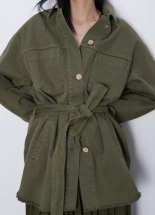 Шикарная джинсовая рубашка-куртка zara