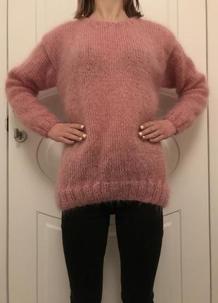 Свитер мохеровый розовый с серым квадратом на спине