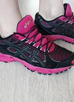 Новые кроссовки  от asics gel trail attack 7
