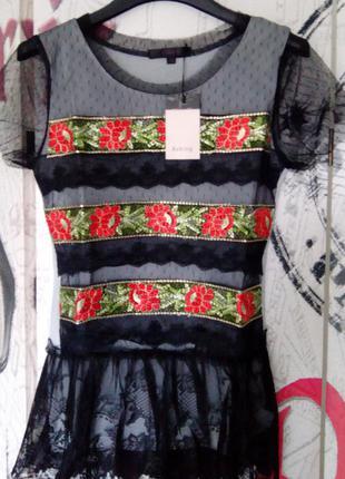 Итальянская футболка, нарядная с гипюром и вышивкой