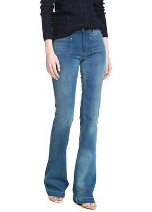 Новые джинсы клеш mango, испания. женские голубые джинсы клеш от колена