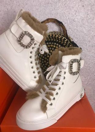 Нарядные ботиночки на меху, люкс качество,камни,размер 38
