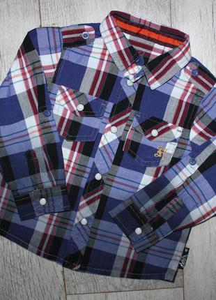 Рубашка нарядная стильная 2-3 года, рост 98 см. с белыми кнопками