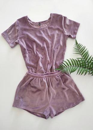 Плюшевая пижама из велюра с шортами