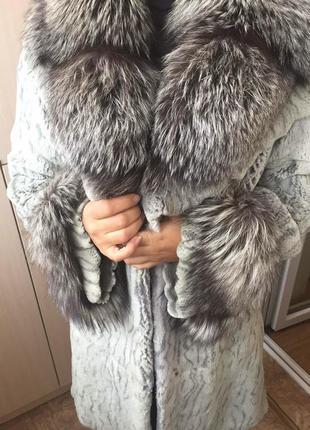 Шуба из бобрика, воротник чернобурка