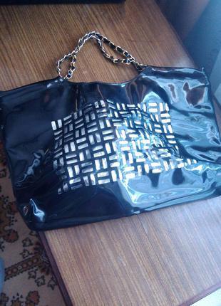 Лакова сумка