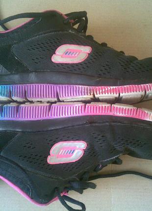 Фирменные кроссовки skechers 25,5 см
