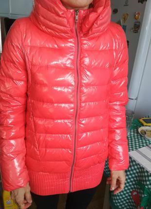Пуховик курточка с лакированным эфектом goalie m