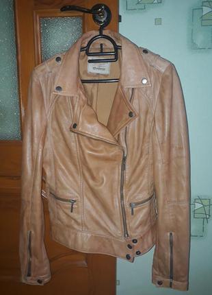 Куртка косуха от бренда stradivarius