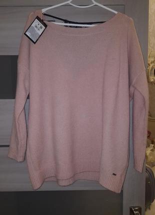 Шерстяной свитер с ажурной спинкой