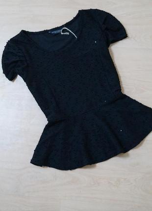 Фактурная блузка с баской
