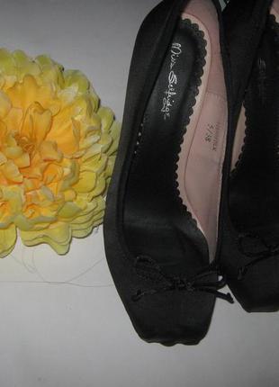 Купи две вещи = каждая по 99! нарядные туфли на шпильке