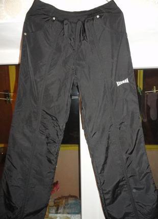 Продам женские очень теплые зимние брюки плащевка на флисе .1 фото