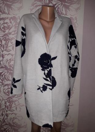 Пальто демисезонное белое с черными цветами