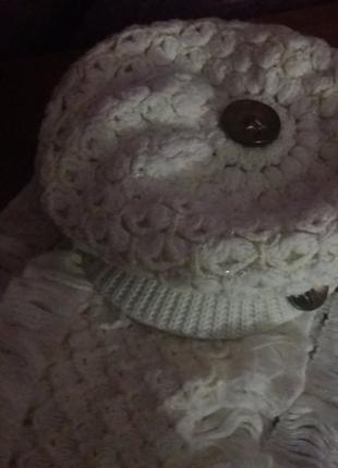 Нежный оригинальный теплый гарнитур : кепи и шарф.