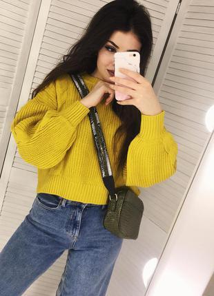 Шикарный свитерок с актуальными объёмными рукавами!