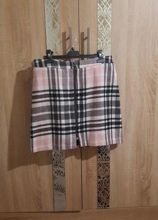 Стильная теплая юбка-трапеция в клетку с молнией