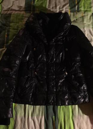 Осенняя куртка на сентепоне mango
