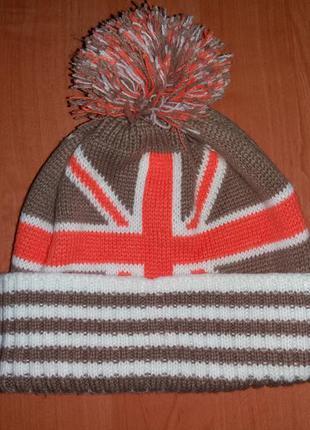 Теплая шапка, двухслойная.  размер 56-57. новая.
