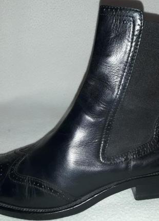 Кожаные ботинки челси фирмы geox p. 40-41 стелька 26,5-27 см
