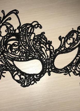 Стильная маскарадная карнавальная маска