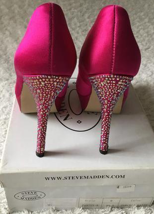 Шикарные вечерние туфли со стразами для золушки от steve madden ... efed7602332c7
