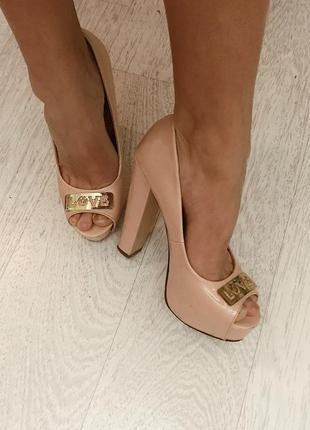 Туфли от valentin yudashkin