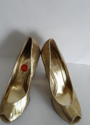 Золото в моде!1 красивые туфли ! размер 40