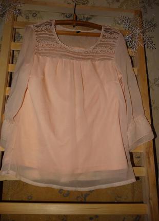 Нежная персиковая блузочка