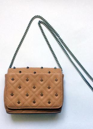 Стильная сумочка с шипами zara trafaluc  сумка на длинном ремешке zara
