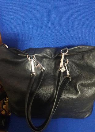 Шикарная, большая ,кожаная сумка известного бренда   coccinelle  италия орогинал!