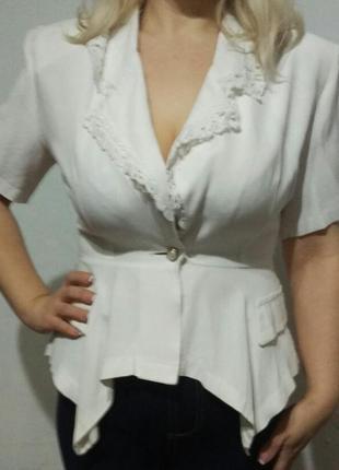 Белый летний пиджачек