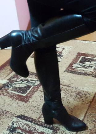 Кожаные сапоги на среднем каблуке осень-весна италия