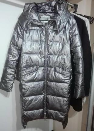 Модная зимняя куртка красивая